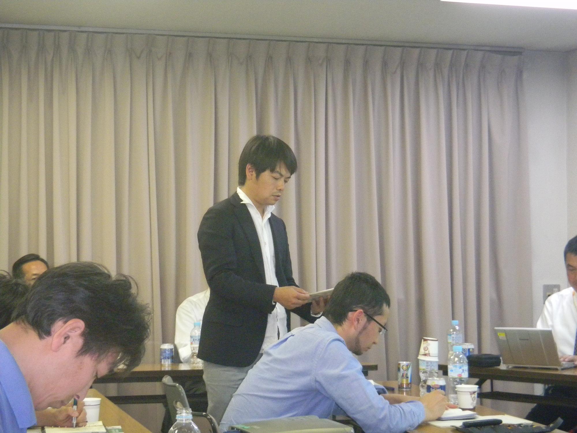 和久多摩産材普及拡大委員会委員長より、6月の森のふれあいツアーについて