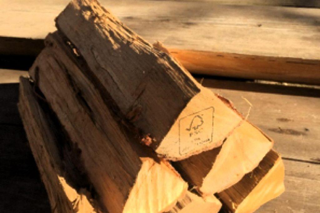 多摩産材からつくる薪